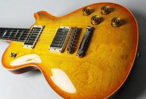 ニトロセルロース,ギター